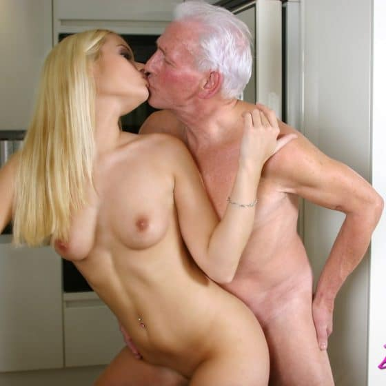 black-old-woman-young-girl-xxx-sexyi-open